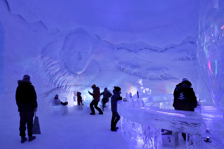 Isbaren i Kirkenes Snowhotel