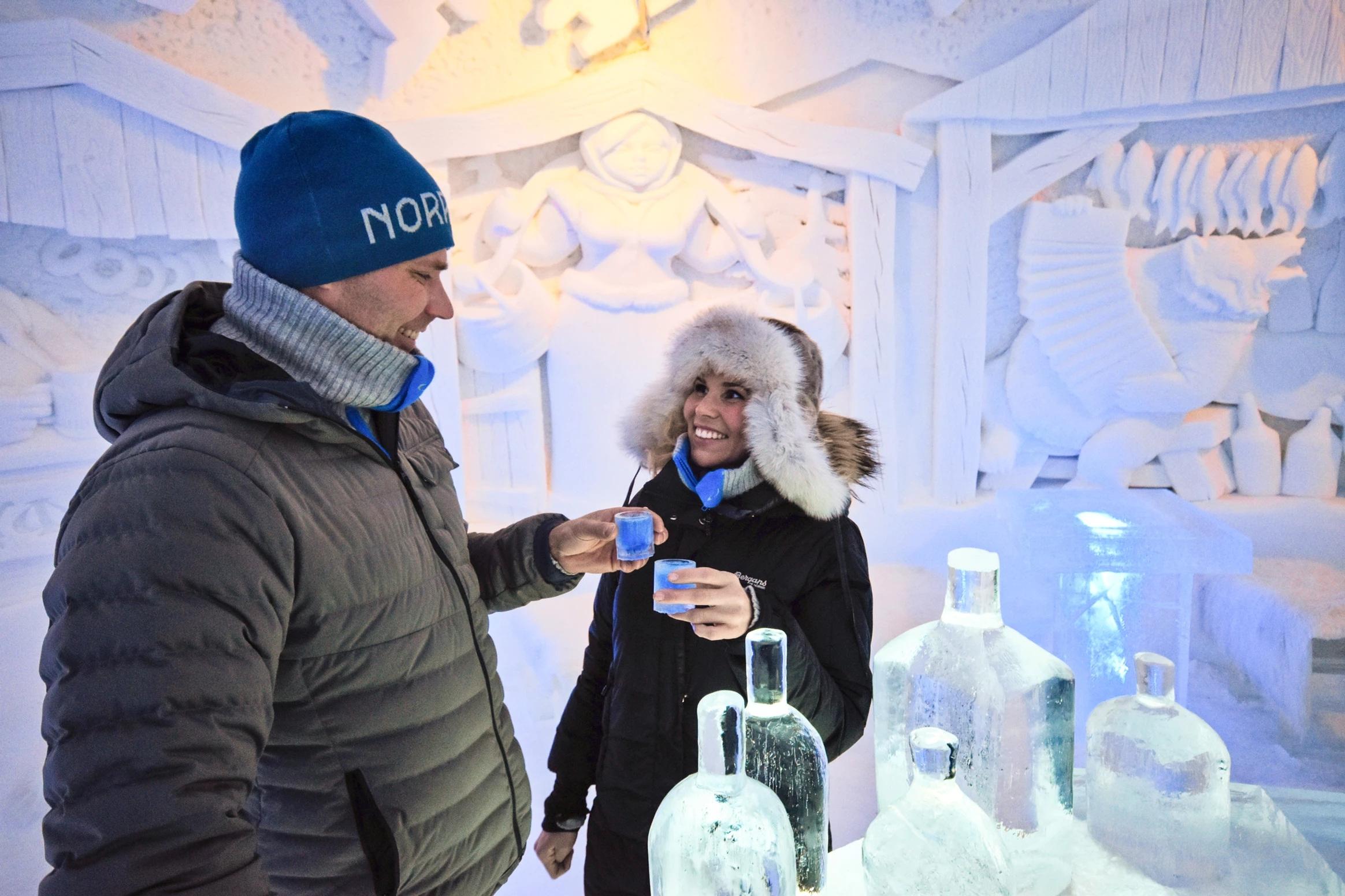 Isbaren på Kirkenes Snowhotel